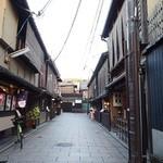 リストランテ ティ ヴォリオ ベーネ - 花見小路、もっとも京都らしい場所にあるイタリアンのお店