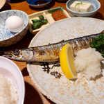菊三八 - 秋はやっぱり秋刀魚! 塩加減よし、大根おろしもたっぷり