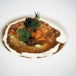 レストラン・サカキ - 利尻産生雲丹とコンソメのジュレ アボガドムース添え