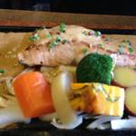 レストランかづの - サーモンステーキ