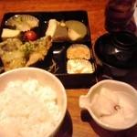 42639282 - おまかせ定食 850円(税込)(2015年9月30日撮影)