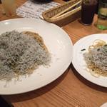 sakabasammaruni - ぶっかけシラスと高菜のペペロンチーノ MEGA vs 大