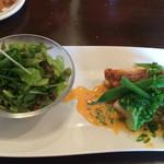 42641242 - サラダと鯛のソテー