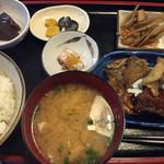 おてび - 料理写真:小魚定食(¥950)