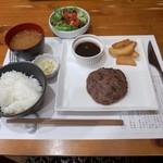 42644352 - 熟成肉ハンバーグ(120グラム1280円)