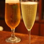 ピッツエリア ファッブリカ トクマル - 2015年10月 生ビールとスプマンテで乾杯♪