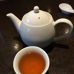 四川料理 シュン - ジャスミン茶。