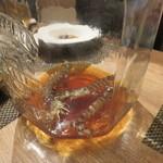 東京チャイニーズ 一凛 - 愛知の天然の才巻海老の紹興酒漬け、土鍋蒸し ナンプラーと白髪葱で4