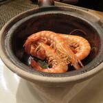 東京チャイニーズ 一凛 - 愛知の天然の才巻海老の紹興酒漬け、土鍋蒸し ナンプラーと白髪葱で5