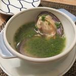 東京チャイニーズ 一凛 - 磯しじみとほうれん草のスープ、胡椒を効かせて1