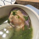 東京チャイニーズ 一凛 - 磯しじみとほうれん草のスープ、胡椒を効かせて2