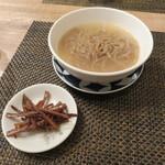 東京チャイニーズ 一凛 - 根室牛蒡の麺と金ぴら牛蒡1