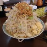 42649050 - 中ラーメン(麺300g,ヤサイまし、油小)