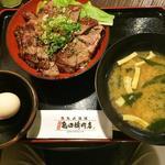 鉄板肉酒場 二代目亀田精肉店 - ステーキ丼