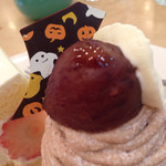 カフェ ド ラ・ポムベール  - チョコがハロウィン