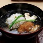 銀座 小十 - 御椀:鱧と松茸、