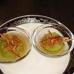 中国料理 桃翠 - 冷やしへちまのもろみ胡麻ソース(揚げごぼう添え)