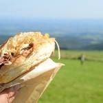 ナイタイ高原レストハウス - 外で食べたら、一層ウマイ!