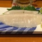 やきとり呑斗 - イカ刺し、500円です。