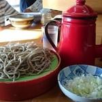 江戸一 - ポットには麺つゆ