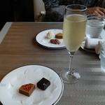 デルレイ カフェ&ショコラティエ -