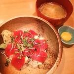 阿部寿司 - ランチの鉄火丼❤(*´∀`)♪ 玉子の黄身をかけて頂きます❤❤