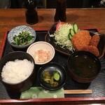 カフェ&スナック うめ - 日替りランチ-メンチ&コロッケ定食830円