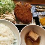 華厳 - メンチカツ定食