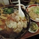 42673783 - 黒豚雲呑麺+煮豚飯1069円