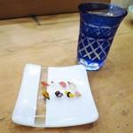 すし屋の野八 - 一粒寿司 雲丹、蛸、玉子、ガリ 鮪、平目、中とろ、ホッキ貝