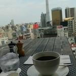 42689708 - コーヒーとスカイツリー