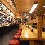 鶴丸製麺 - 店内の様子
