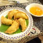 42693370 - 「フィリピンの家庭料理エンパナーダ(揚げ餃子風)」(450円)