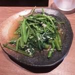 リム ロス タイ - セットにつく青菜炒め、この日は空芯菜