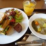 ピュア カフェ - サンドイッチランチセット