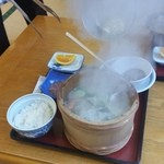 ニュー畠兼 - 料理写真:すごい勢いで吹き上がる、男鹿半島伝統の漁師料理「石焼定食 (2160円)」