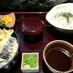 42695393 - ビジネスランチ。天丼と蕎麦。上質です。1000円