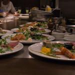 キャトルラパン - 前菜のパフォーマンス
