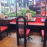 味一番!九州ラーメン 博多っ子 - 店内(2015年10月)