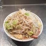 42698096 - らーめん並 生麺200g680円野菜多めニンニク