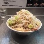 42698100 - らーめん並 生麺200g680円野菜多めニンニク