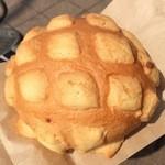世界で2番めにおいしい焼きたてのメロンパンアイス - 料理写真:南条メロンパン 200円