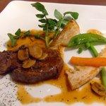 frigerio - 牛フィレのステーキソースシャンパニオン