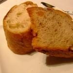 フリジェリオ - フランスパンとくるみのパン