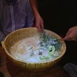 日いづる - パルメザンチーズの中で直接調理❤ ヽ(´∀`≡´∀`)ノ