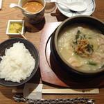 とり田 - 土鍋炊き餃子(\880+税)+餃子追加(\150)