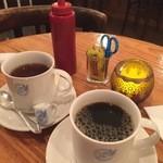 42703261 - 珈琲・紅茶とケチャップ・マスタード