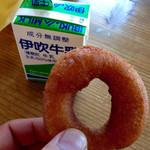 ミルクファーム伊吹 - このドーナツもうまいです(^^)