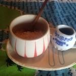 カフェ月星 - 2015・10 食後のお茶用の黒蜜と砂糖。