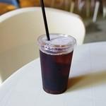 ガンガラーの谷 ケイブカフェ - 風化サンゴの焙煎アイスコーヒー